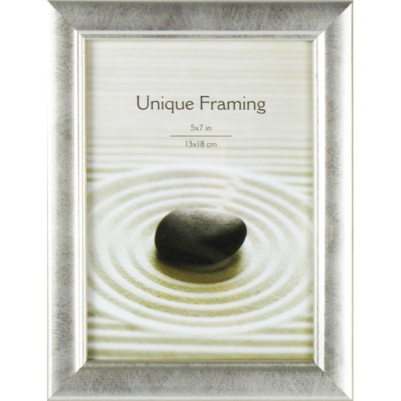 "Classic Silver Photograph Frame (7"" x 5"")"