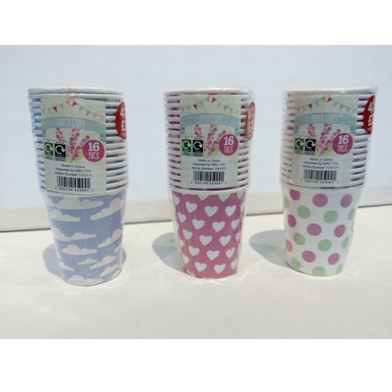 16 Pack of Paper Cups - Pink with White Hearts