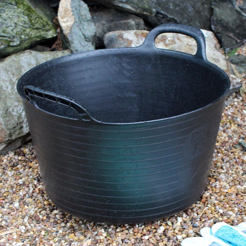 Kingfisher Growing 15 Litre Black Rubber Tub with Carry Handles