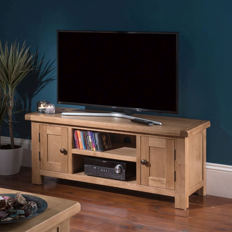 Cotswold TV Unit Oak 2 Door 2 Shelf Large