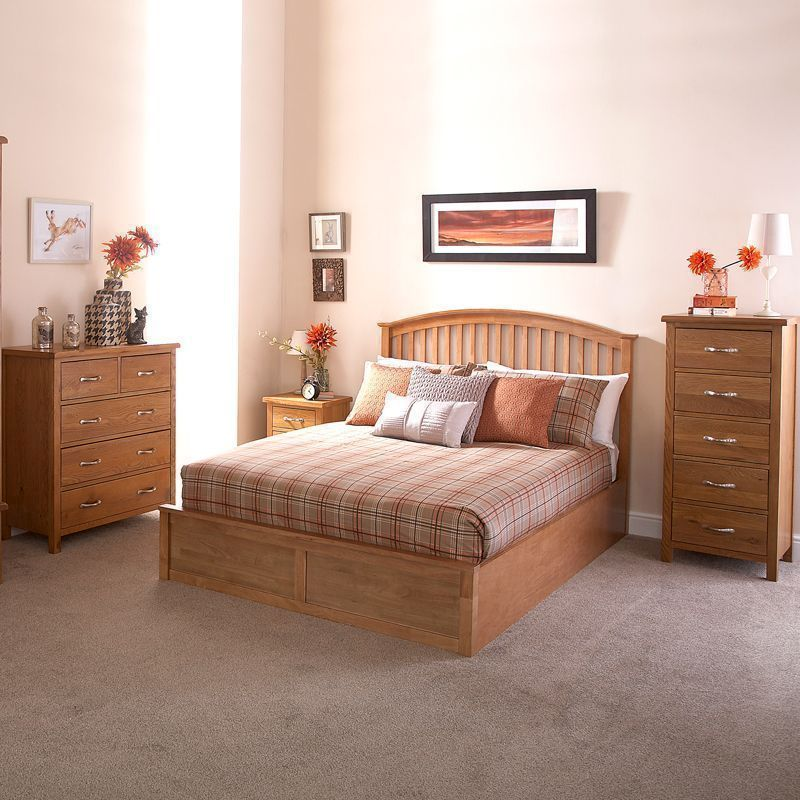 Madrid Rubberwood Double Bed 4ft 6in Oak Style Ottoman Bed Frame