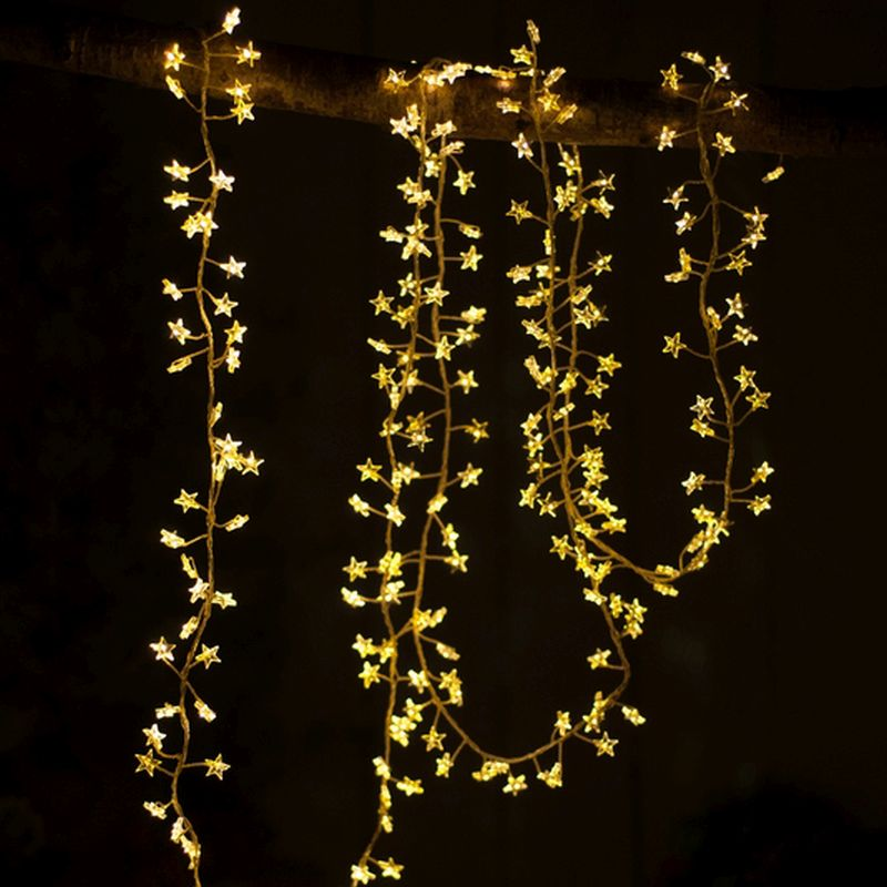 240 LED White Outdoor Cluster Star Lights Mains 300cm x 4 Strings